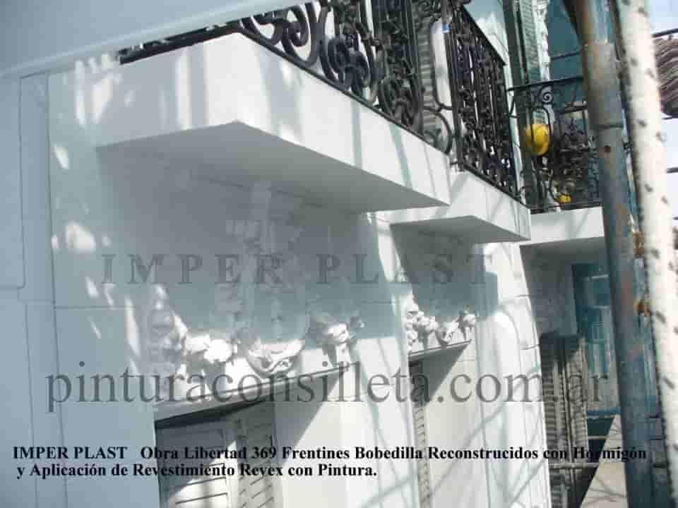Reparaciones de frentines restauración de fachada con andamios trabajo en altura